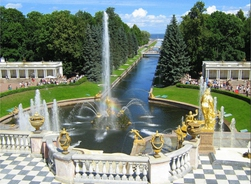 Guided tour of  Peterhof - the Grand Palace and Low Park